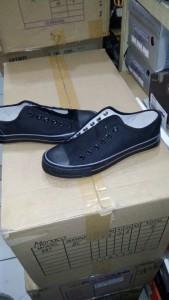 Sepatu Pacific All Black