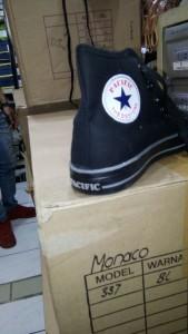 Sepatu Pacific All Black Tinggi